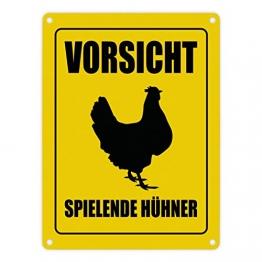 trendaffe - Vorsicht spielende Hühner Metallschild mit Huhn Motiv Hühner Hahn Henne Achtung - 1